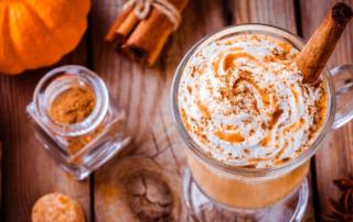 Demos gracias con pumpkin spice - Tazón Coffee Shop